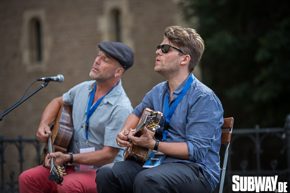 Buskers-online-0090